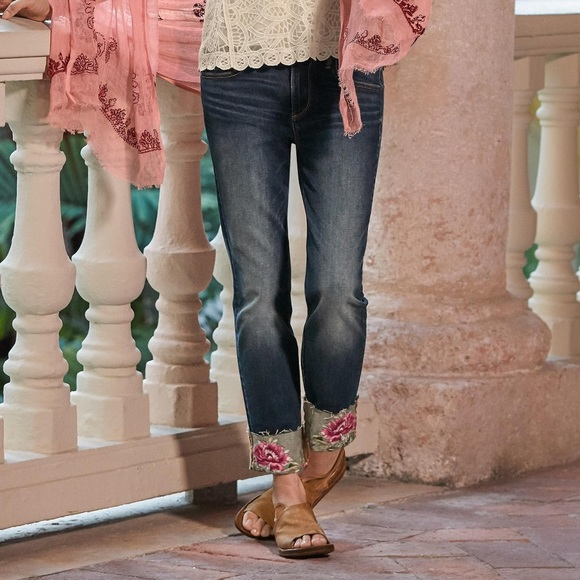 Driftwood Colette Blooming Embroidered Crop Jeans